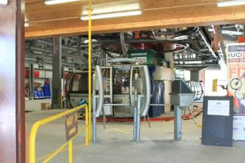 87 gondola station