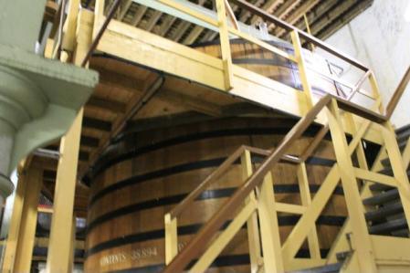 06 inside distillery
