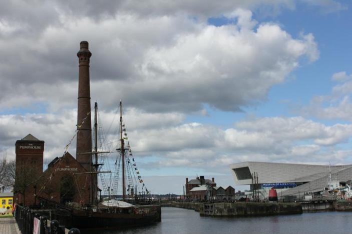 09 Albert Dock