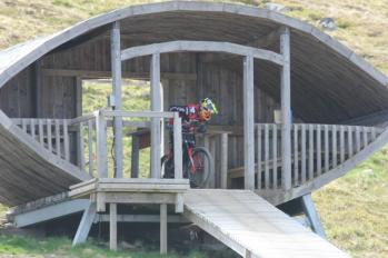79 mountain bike starting gate