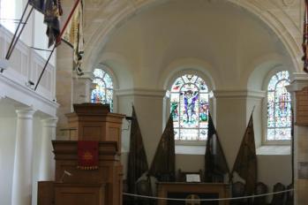 29 Chapel inside