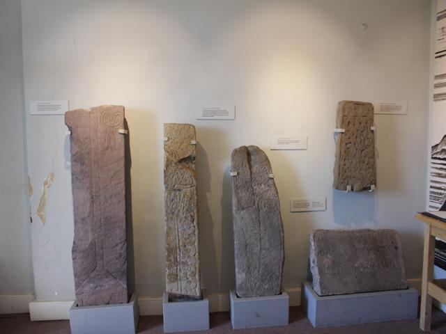 09 exhibiton of slabs found at Dunbarton