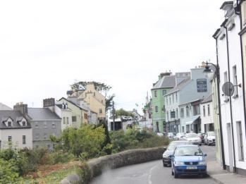 07 Roundstone Village