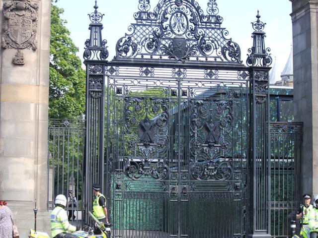 18 Palace gates