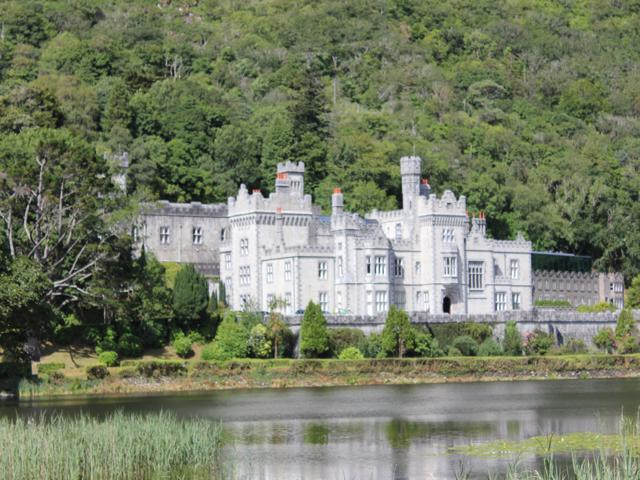 16 Kylemore Castle andAbbey