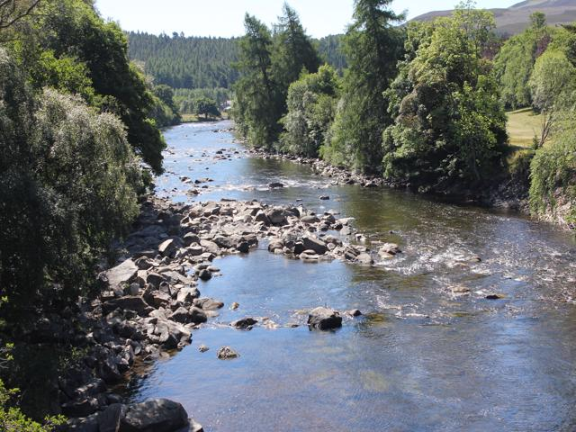 38 River Dee from bridge to Balmoral Castle