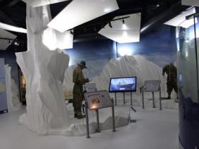 09 inside exhibition