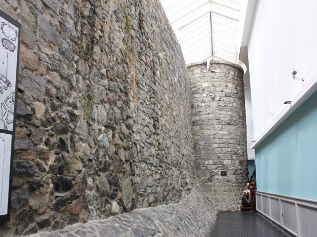03 remains of city wall