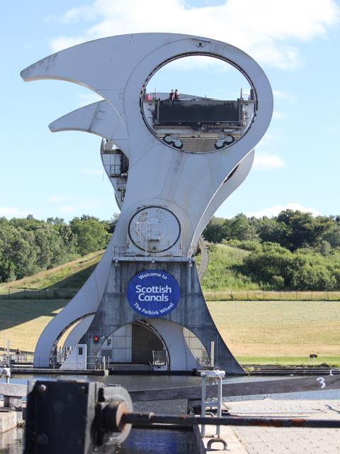 40 Falkirk Wheel going up Part 13