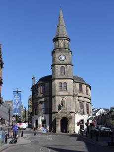 02 Stirling Church with William Wallace statue