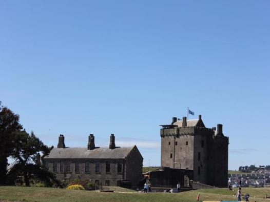01 Broughty Castle