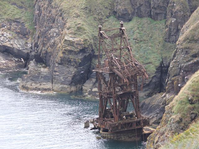 27 crane ship