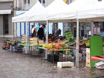 06 Thursday markets Cherbourg