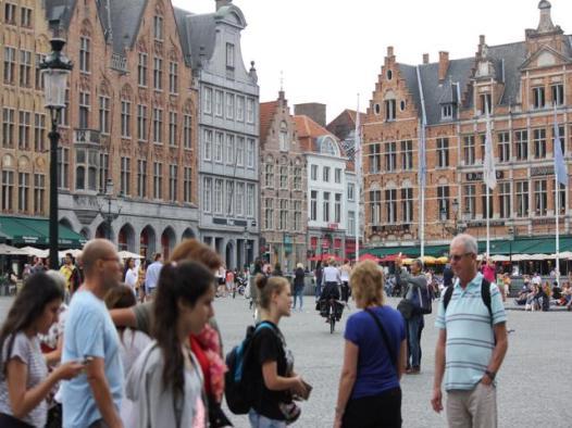 12 Bruges square