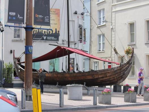 04 Viking Longboat