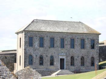 35 Charles Fort
