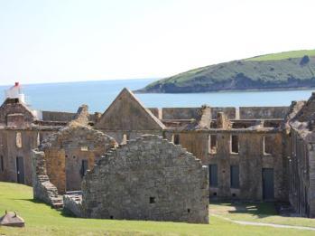 26 Charles Fort