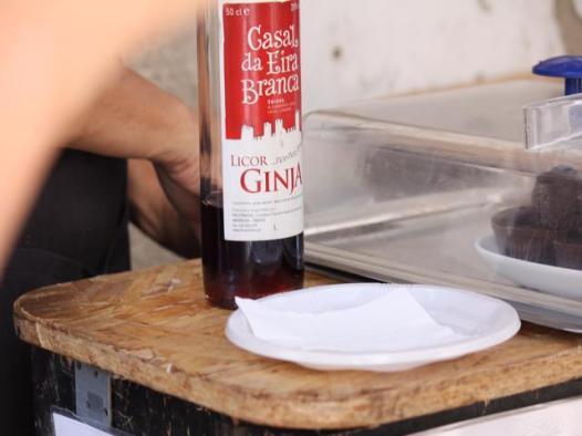 22 Ginja in edible chocolate cup