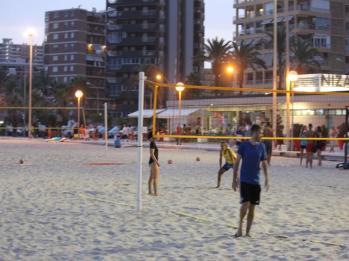 03 beach volleyball game at Alicante beach