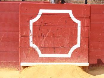 30 matador box -damage from bulls