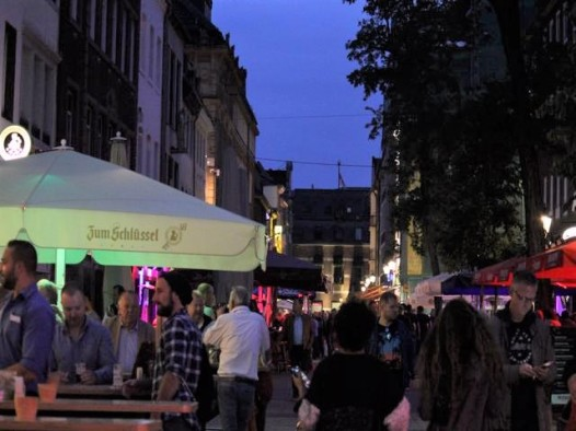 05 Dusseldorf at night