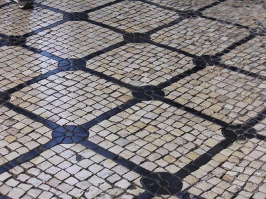 26 cobbled streets Lisbon