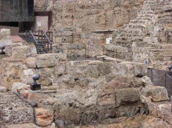 35 Roman theatre