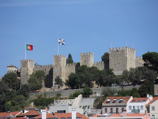 32 Sao Jorge Castle