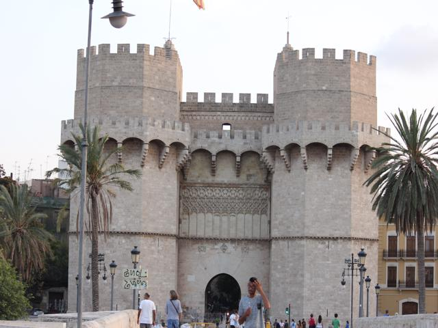 10 Serrans Gate