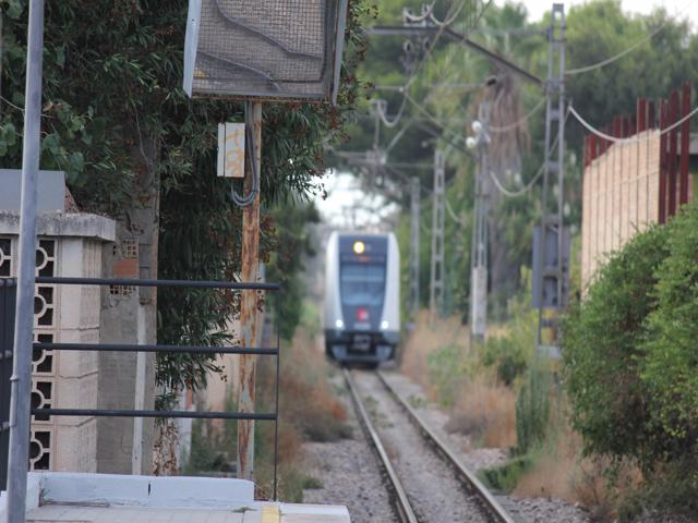 02 train into Valencia