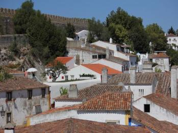 09 houses in fortified walls