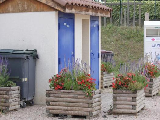 11 facilitiesa t Aires Vienne