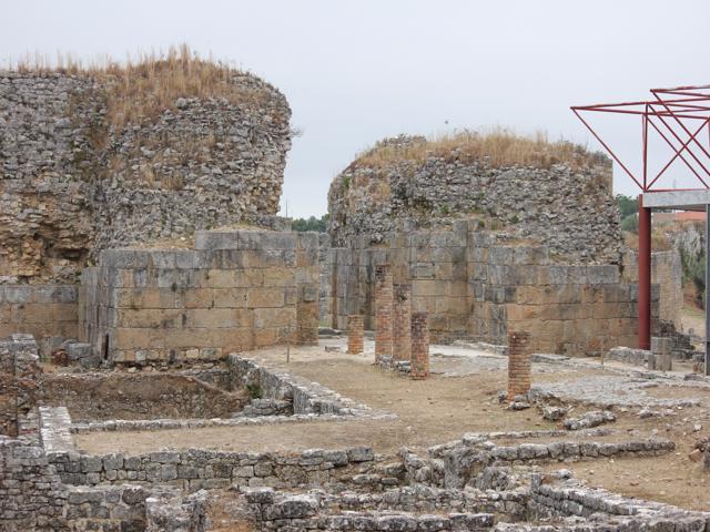 28 shop ruins of Roman settlement