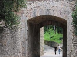 40 entrance to walls