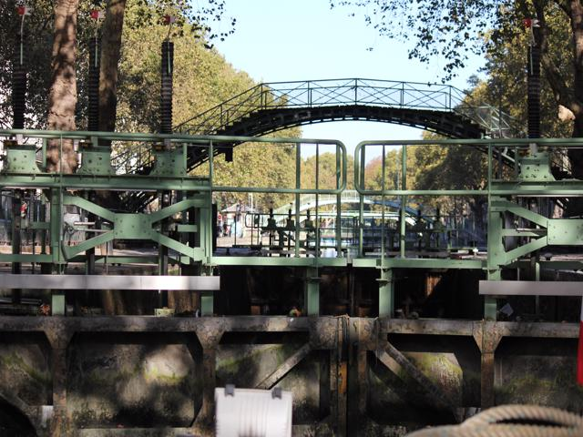 36 swing gate on Canal