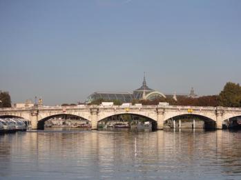 05 bridge over the River Seine