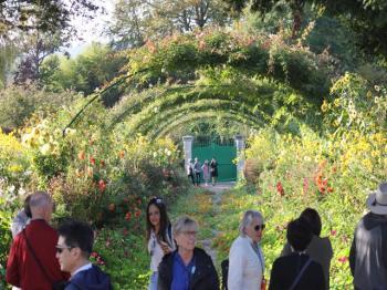 75 Monet's Gardens