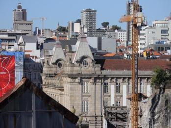 61 Ribeira District Porto