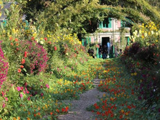 97 Monet's Gardens