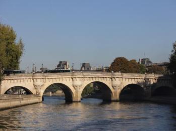 15 oldest bridge in Paris