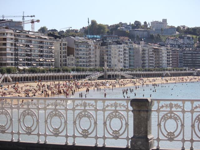 32 La Concha beach railings