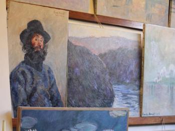 64 inside Monet's House