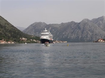 04 tender into Kotor