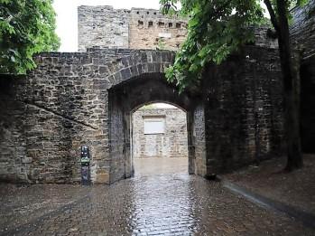 49-gateway-of-france-last-remianing-gateway