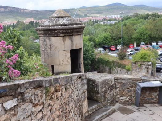 53-guard-tower-on-wall